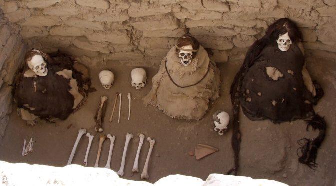 Conquête, conversion, et rites funéraires dans les Andes péruviennes, 16e-17e s.)